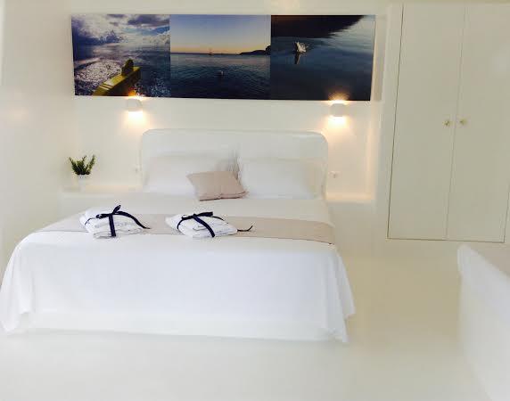 Mersini Rooms in Schoinousa Town